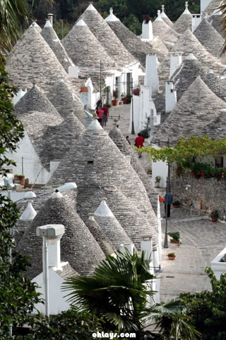 Alberobello Italy iPhone Wallpaper