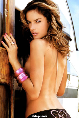 Alessandra Ambrosio iPhone Wallpaper