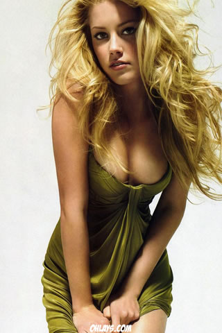 Amber Heard iPhone Wallpaper