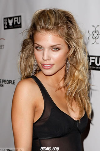 AnnaLynne McCord iPhone Wallpaper
