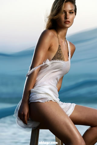 Bar Refaeli iPhone Wallpaper