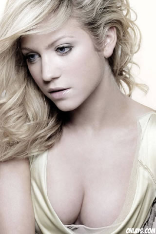 Brittany Snow iPhone Wallpaper