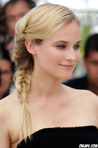 Diane Kruger iPhone Wallpaper
