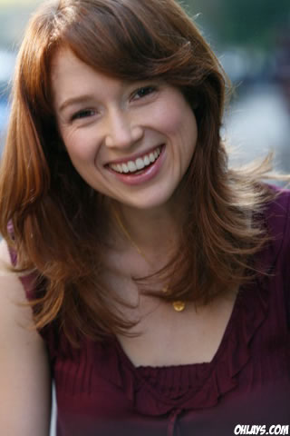Ellie Kemper iPhone Wallpaper