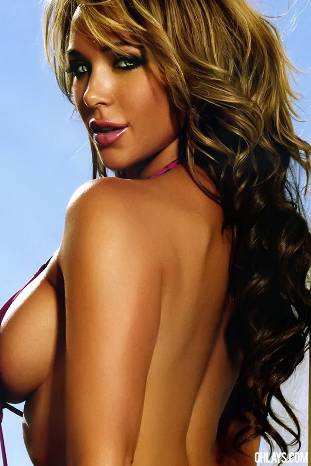 Emily Scott iPhone Wallpaper