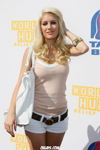Heidi Montag iPhone Wallpaper