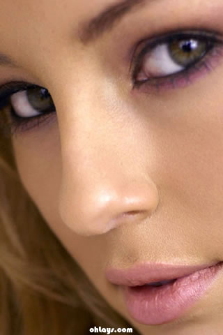 Keeley Hazell iPhone Wallpaper
