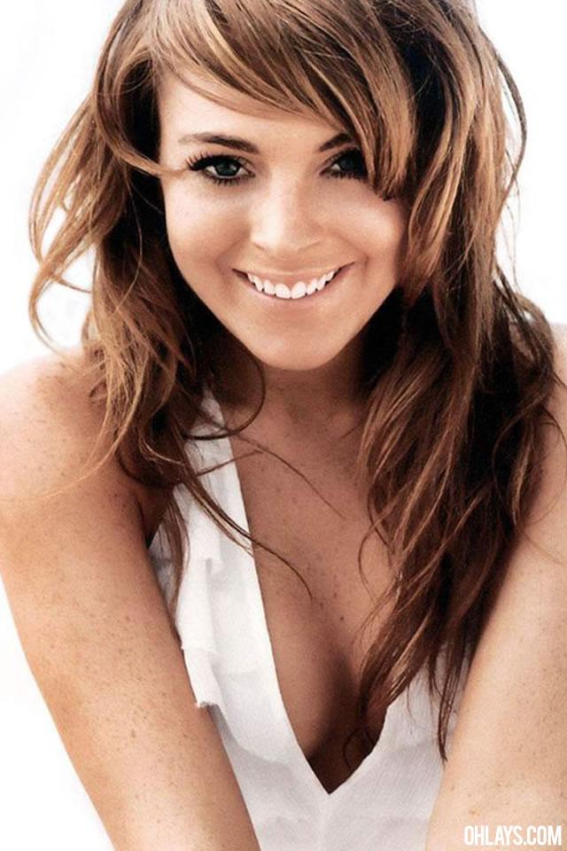 Lindsay Lohan iPhone Wallpaper
