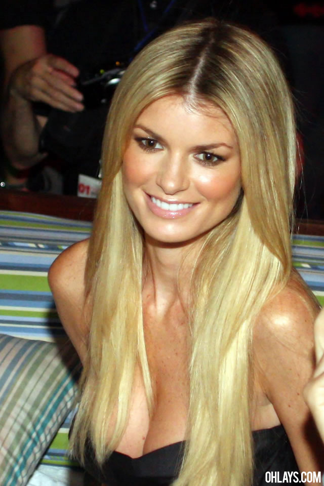 Marisa Miller iPhone Wallpaper