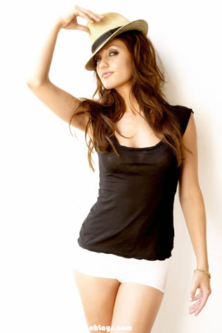 Minka Kelly iPhone Wallpaper