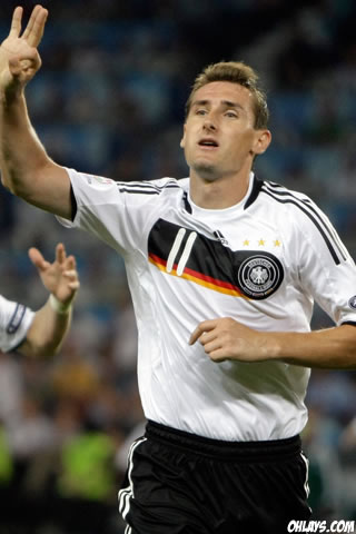 Miroslav Klose iPhone Wallpaper