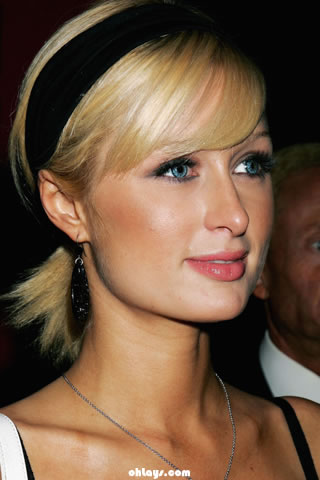 Paris Hilton iPhone Wallpaper