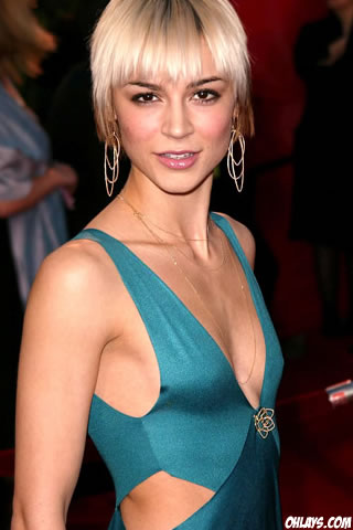 Samaire Armstrong iPhone Wallpaper