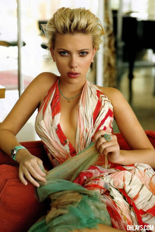 Scarlett Johansson iPhone Wallpaper