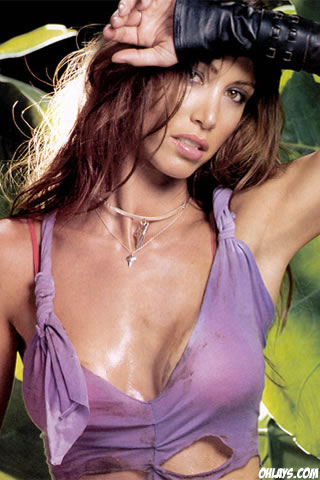 Shannon Elizabeth iPhone Wallpaper