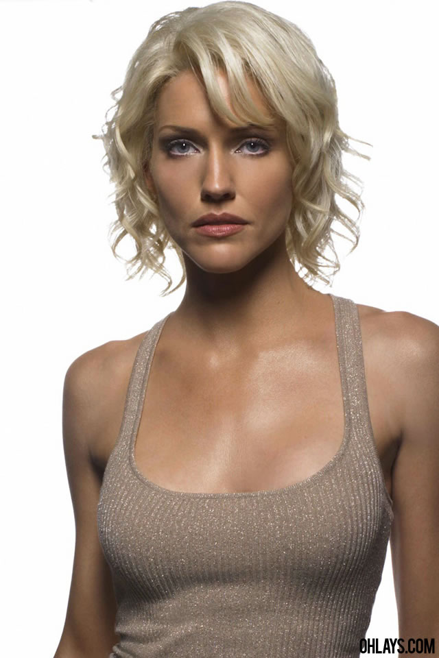 Tricia Helfer iPhone Wallpaper