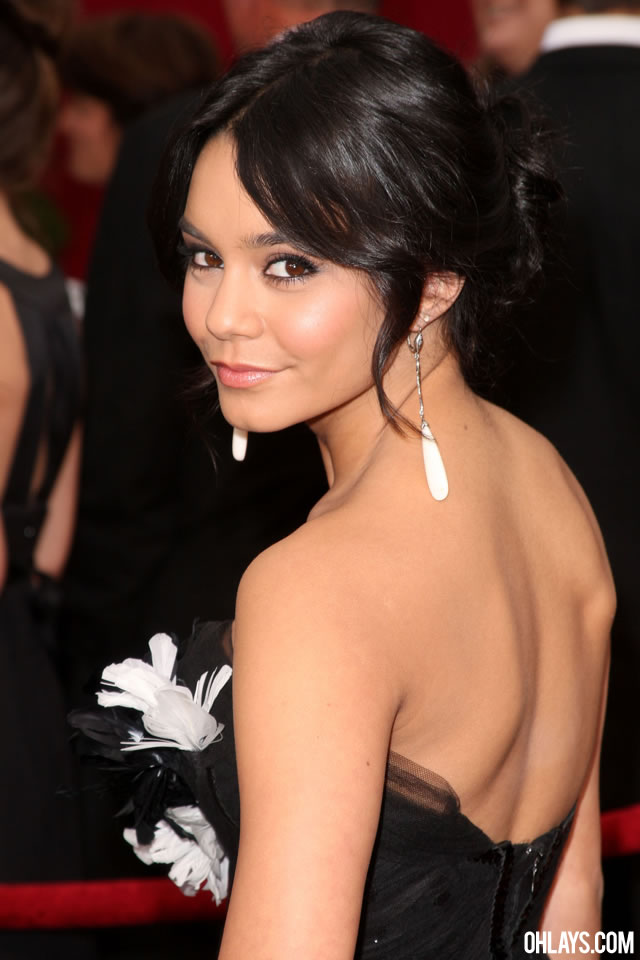 Vanessa Hudgens iPhone Wallpaper